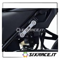 Placchette copri fori poggiapiedi posteriori (lato SX) Suzuki SV650 16- / SV65