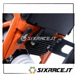 Placchette copri fori poggiapiedi posteriori lato SX KTM 125/200 Duke 17-